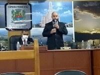 Anselmo critica ação governamental contra servidor e população
