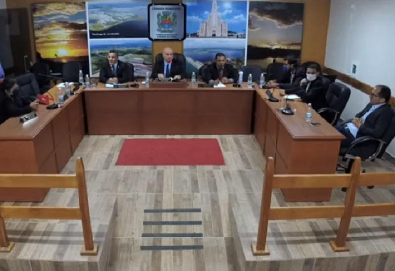 Câmara de Carapebus aprova auxílio financeiro para os estudantes
