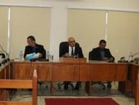 Equiparação salarial do magistério é analisada por comissões