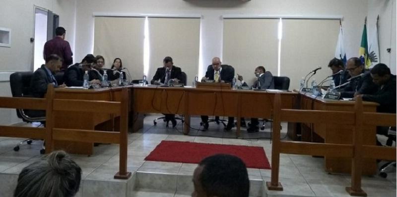 Vereadores solicitam que prefeitura construa parque infantil em escolas